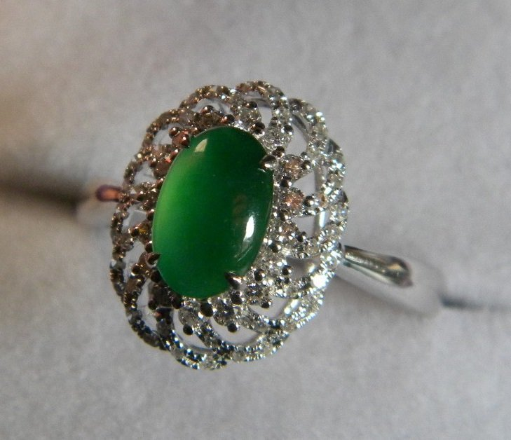 18K White Gold Diamond Imperial Green Jadeite Ring