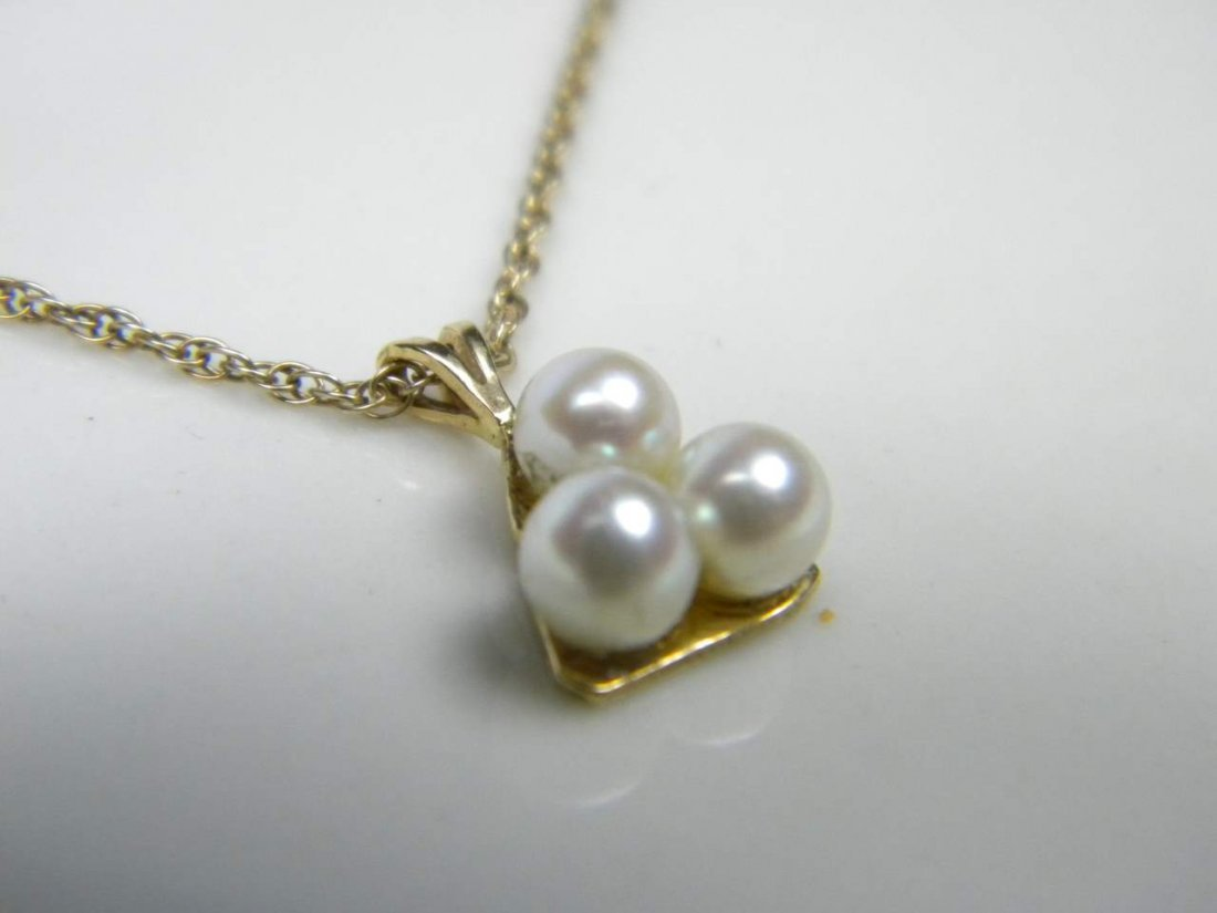14K Gold Pearl Pendnat Necklace