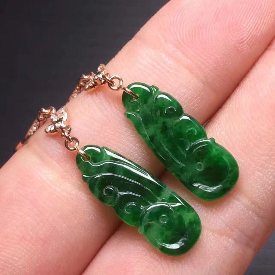 Pair of 18K Gold Diamond Natural Green Jadeite Pheonix - 4