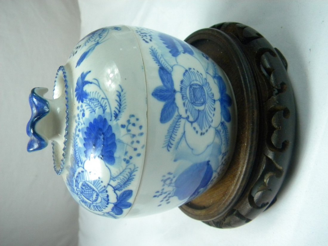 Blue and White Covered Jar - 3