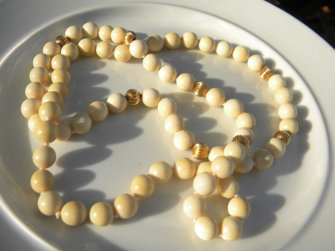 Antique Chinese Round Beads Necklace