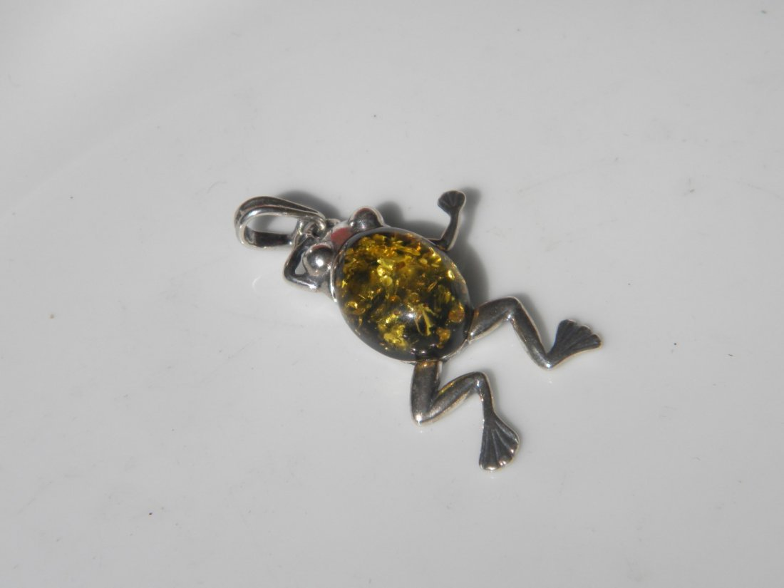 Natural Baltic Amber Silver Frog Pendant - 3