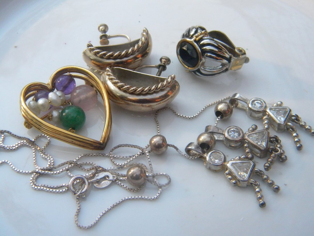 Group of Jewelries including a sterling necklace