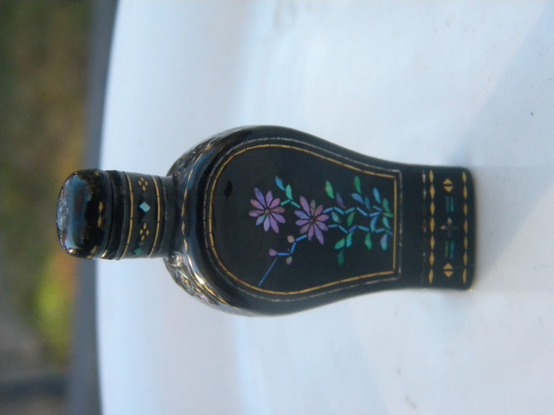 Antique Chinese Lacquer Snuff Bottle - 3