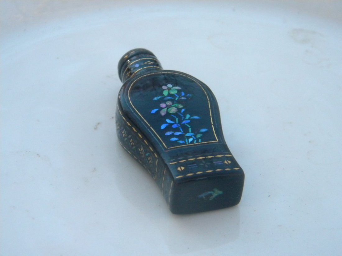 Antique Chinese Lacquer Snuff Bottle - 5