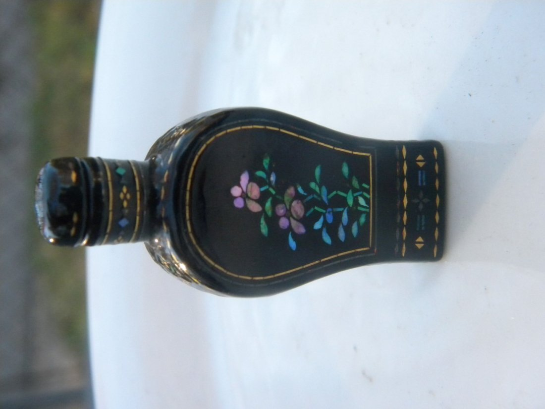Antique Chinese Lacquer Snuff Bottle - 6