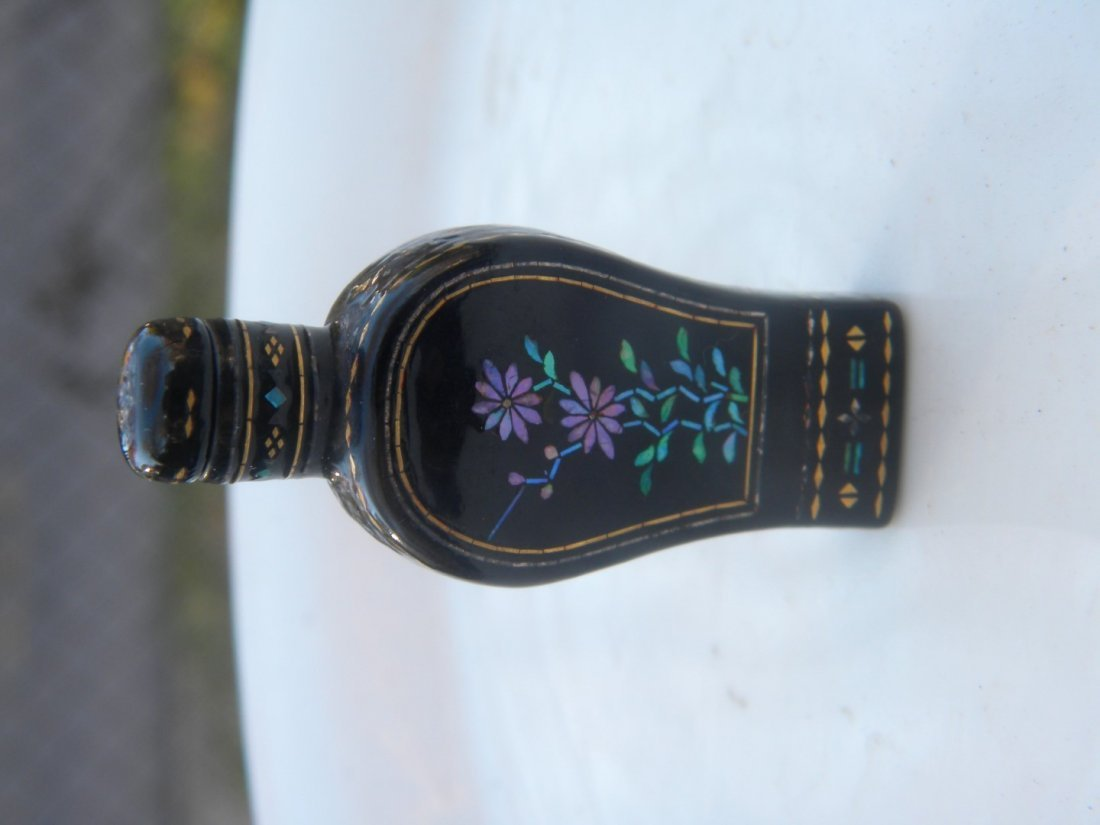 Antique Chinese Lacquer Snuff Bottle - 7