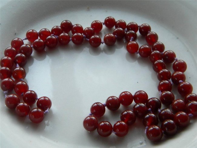 Vintage Chinese Red Jade Carnelian Bead Necklace - 2