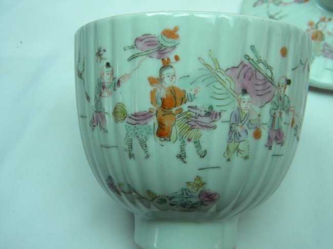 ANTIQUE CHINESE FAMILLE ROSE COVERED BOWL - 3
