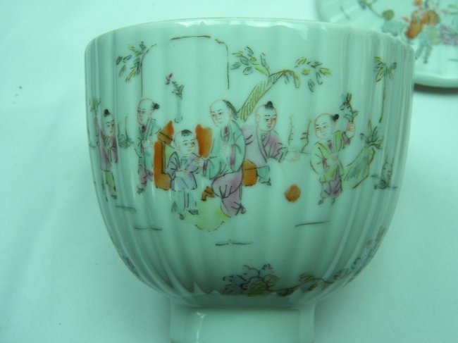ANTIQUE CHINESE FAMILLE ROSE COVERED BOWL - 4