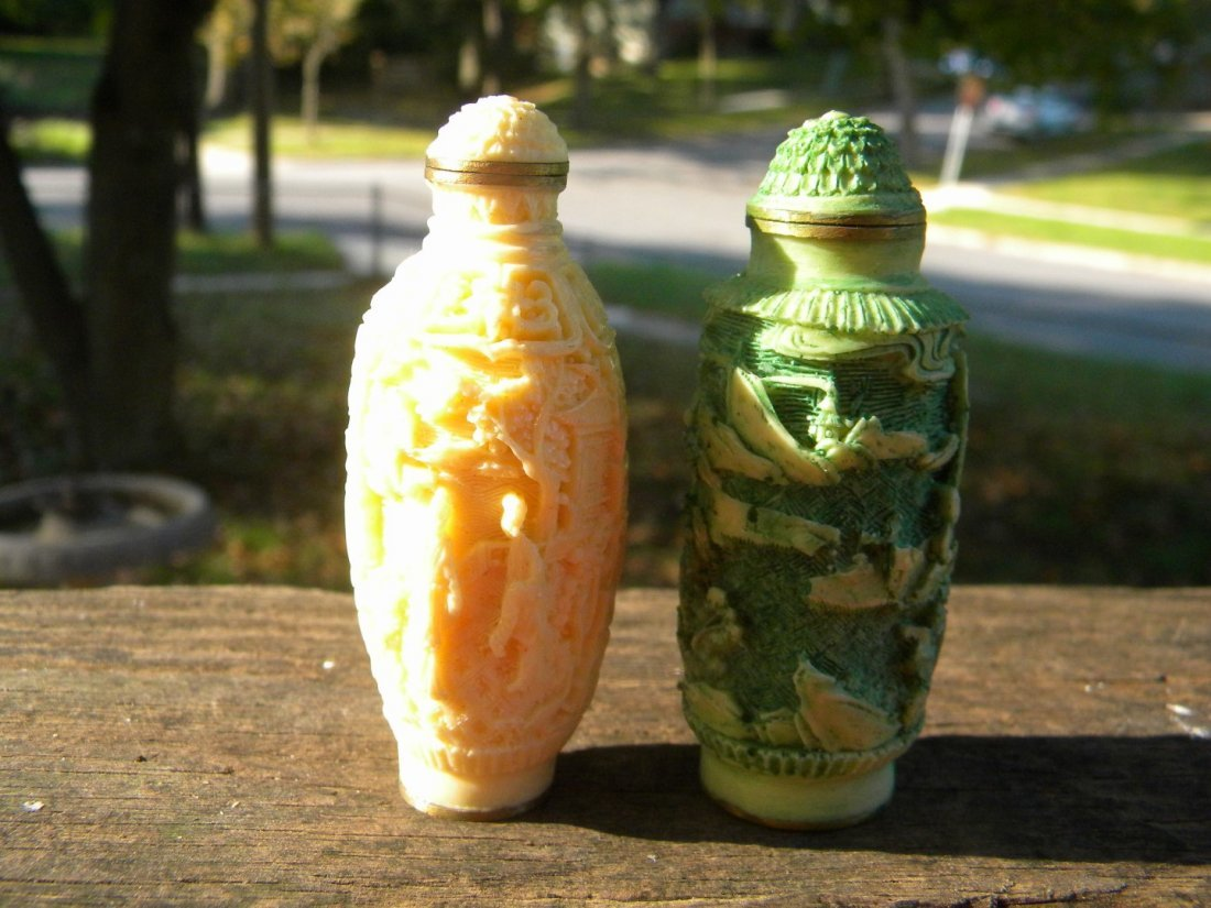 Two Chinese Antique Carved Snuff Bottle Marked Qianlong - 3