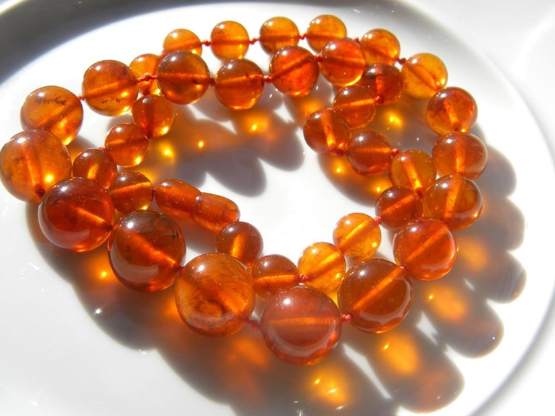 Antique Chinese Amber Round Bead Necklace - 2