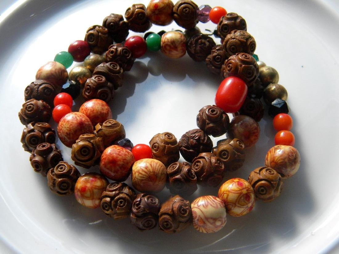 Antique Chinese Carved Wood Bead Necklace - 2