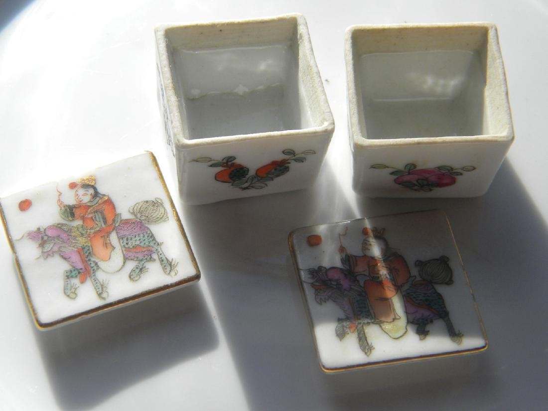 Pair of Antique Chinese Porcelain Opium Boxes - 2