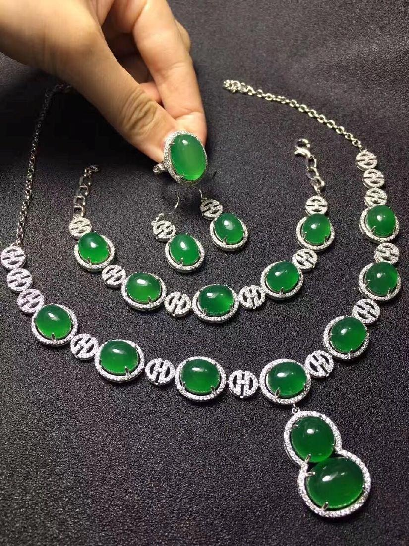 Set of Natural Green Stone Necklace, ring and Bracelet