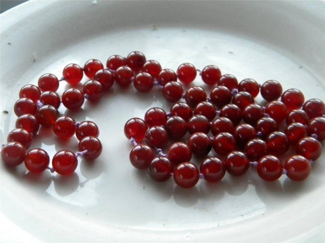Vintage Chinese Red Jade Carnelian Bead Necklace