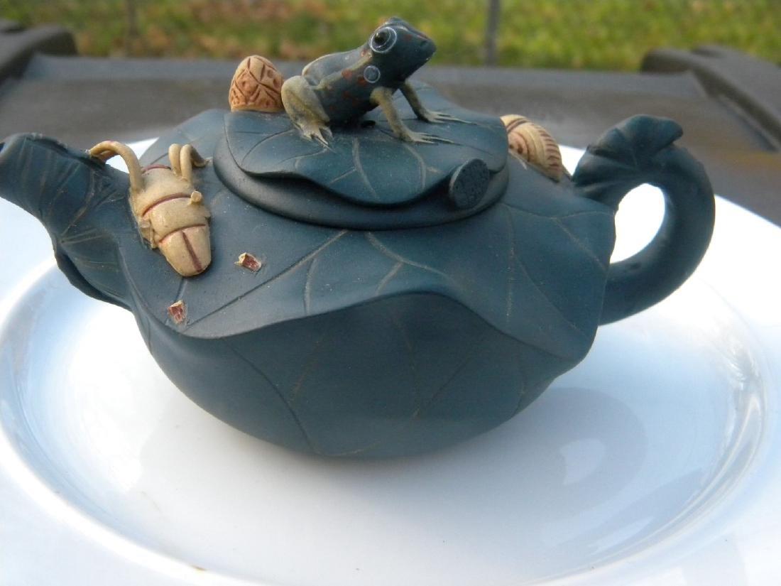 Antique Chinese Yixing Zisha Frog Teapot - 2