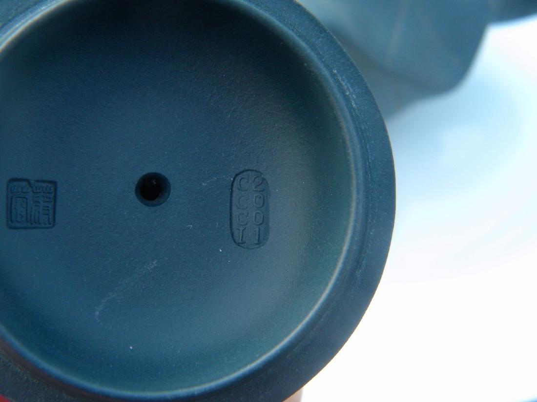Antique Chinese Yixing Zisha Frog Teapot - 7
