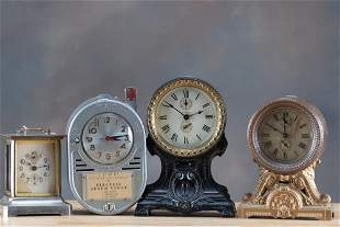 This lot consists of a collection of antique and