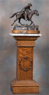 Beautiful antique, quarter sawn oak Pedestal, circa