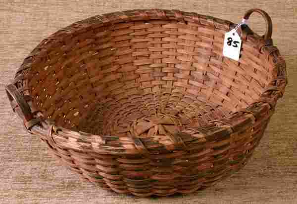Fine New England Indian Basket with Notched and Blu