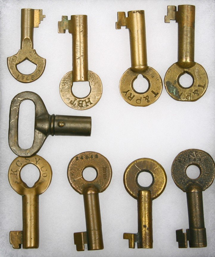619: Collection of 9 Railroad marked brass keys include