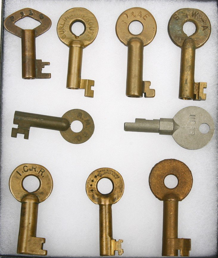 620: Collection of 9 Railroad marked brass keys include