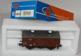 HO 1:87 ROCO 4301D Brown 4-Wheel Boxcar Goods Train Car