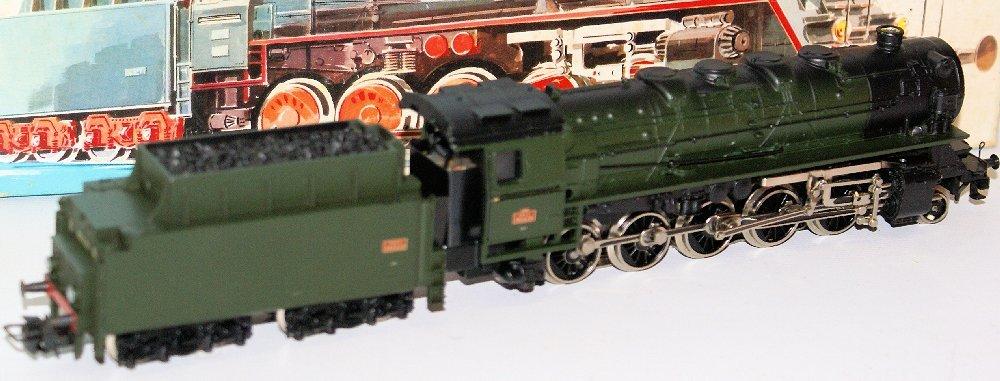 Vintage HO #3046 MARKLIN Märklin SNCF 2-10-0 Steam Loco - 3