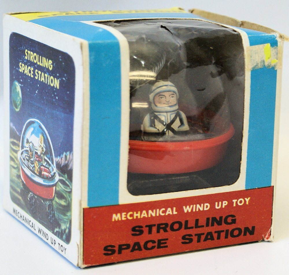 RARE Vintage Mechanical Wind-up STROLLING SPACE STATION