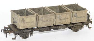 Vintage HO Scale #921 DB Container Wagon Car, with 4