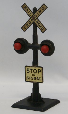Marx O Gauge Train Metal Railroad Crossing Lighted