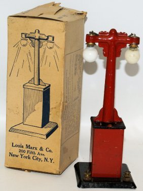 Marx O Gauge Train Electric Lamp Light Post In The