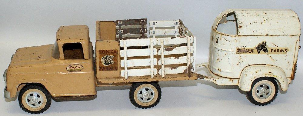 Vintage 1959 #35 TONKA FARMS Pressed Steel Stake Truck