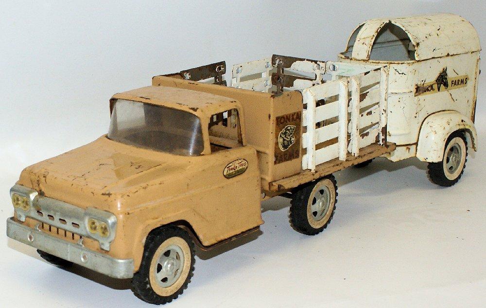 Vintage 1959 #35 TONKA FARMS Pressed Steel Stake Truck - 2