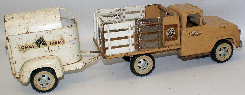 Vintage 1959 #35 TONKA FARMS Pressed Steel Stake Truck - 3