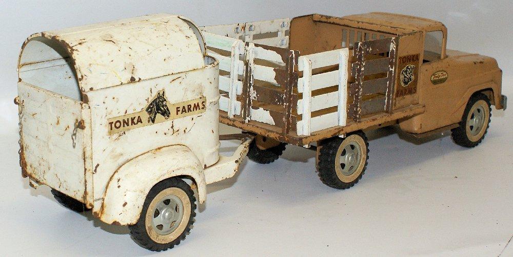 Vintage 1959 #35 TONKA FARMS Pressed Steel Stake Truck - 4
