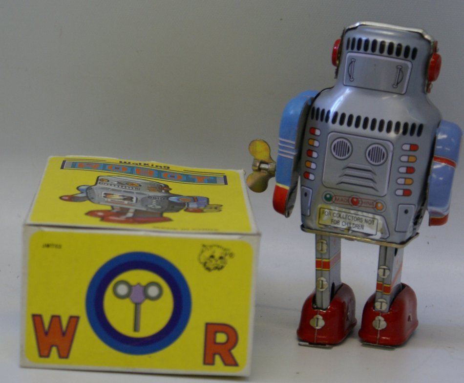 Tin Litho Wind up WALKING ROBOT Space Toy, mint in box - 2