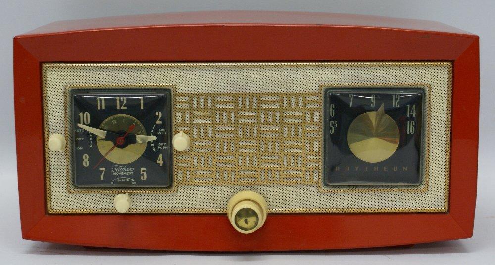 RARE 1953 RAYTHEON CR-43 Red Bakelite AM Tube Clock