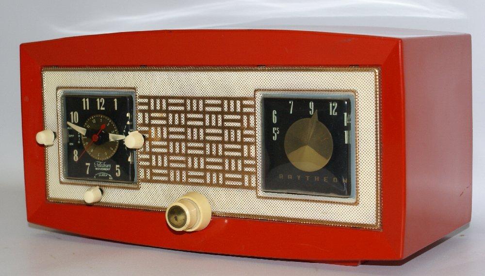 RARE 1953 RAYTHEON CR-43 Red Bakelite AM Tube Clock - 2