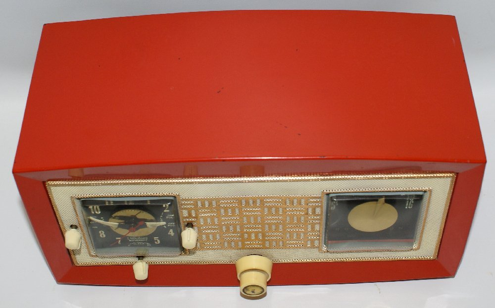 RARE 1953 RAYTHEON CR-43 Red Bakelite AM Tube Clock - 4