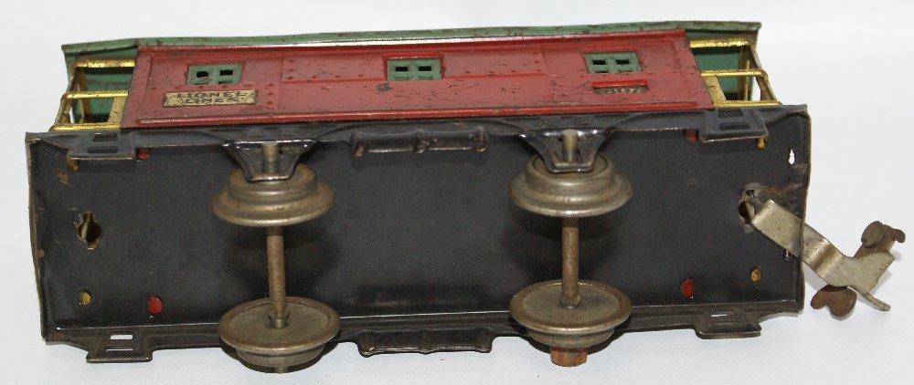 PREWAR O Gauge LIONEL #807 Red / Green Train Caboose - 4