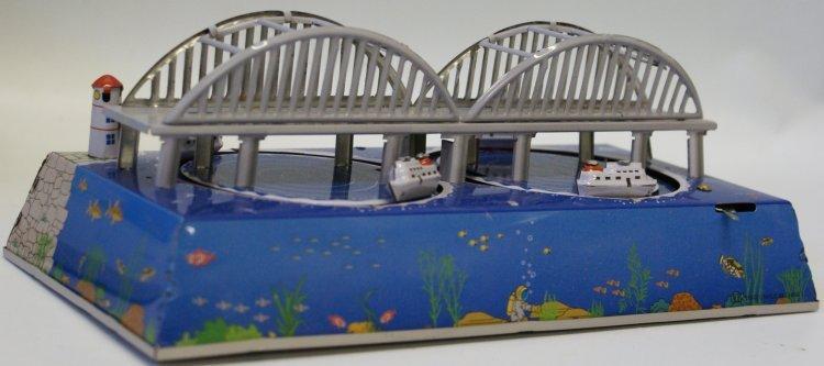 Style Tin Windup #MS431 BOAT SHIPS Under Bay Bridge Toy - 2