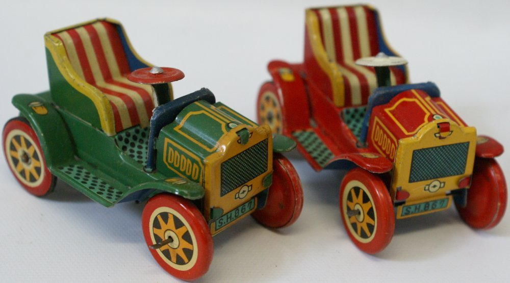 Lot of 2 1950's tin plate friction roadster cars, TKK