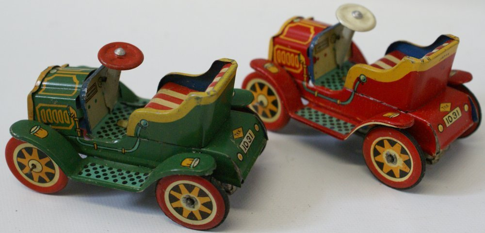 Lot of 2 1950's tin plate friction roadster cars, TKK - 2