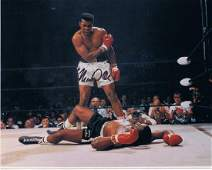 MUHAMMAD ALI -VERY RARE THE MOST FAMOUS PICTURE IN