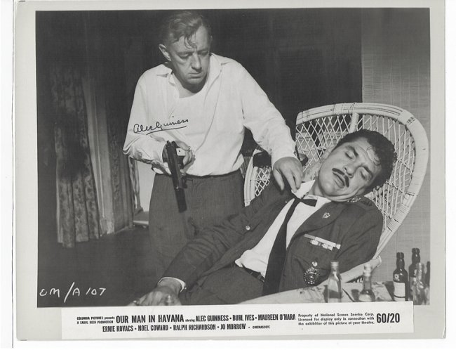 ALEC GUINESS - 8 x 10 PHOTO W/ CERTIFICATE