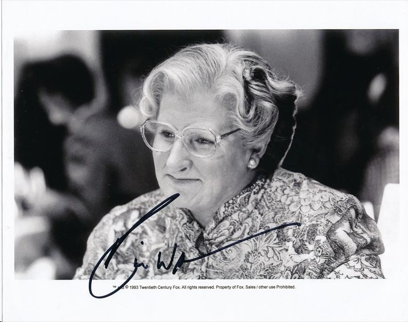 ROBIN WILLIAMS SIGNED 8 X 10 PHOTOGRAPH