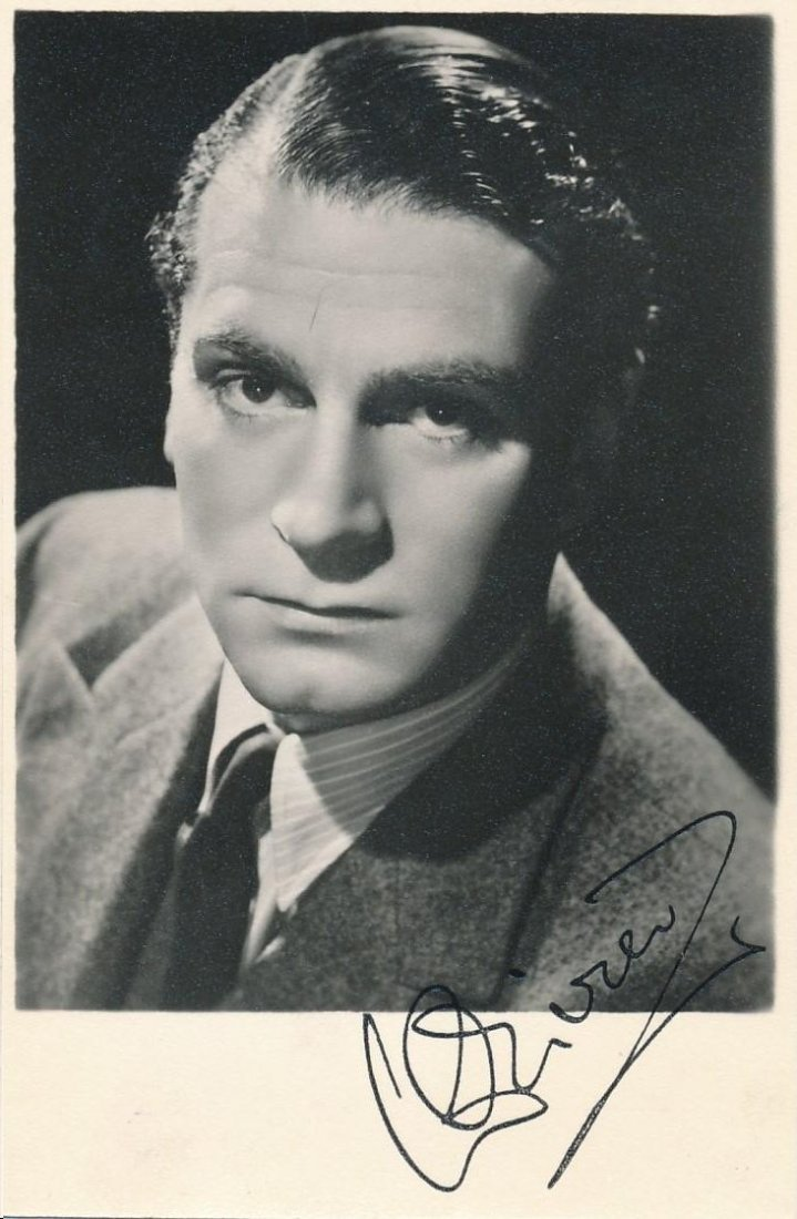 LAURENCE OLIVIER SIGNED 3.5 X 5.5 PHOTOGRAPH