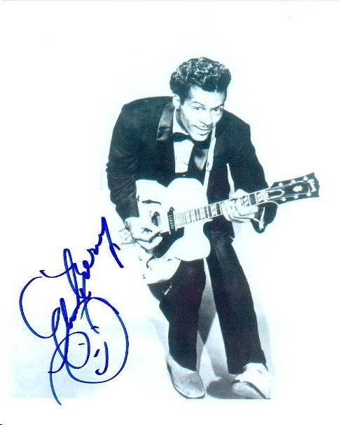 CHUCK BERRY SIGNED 8 X 10 PHOTOGRAPH
